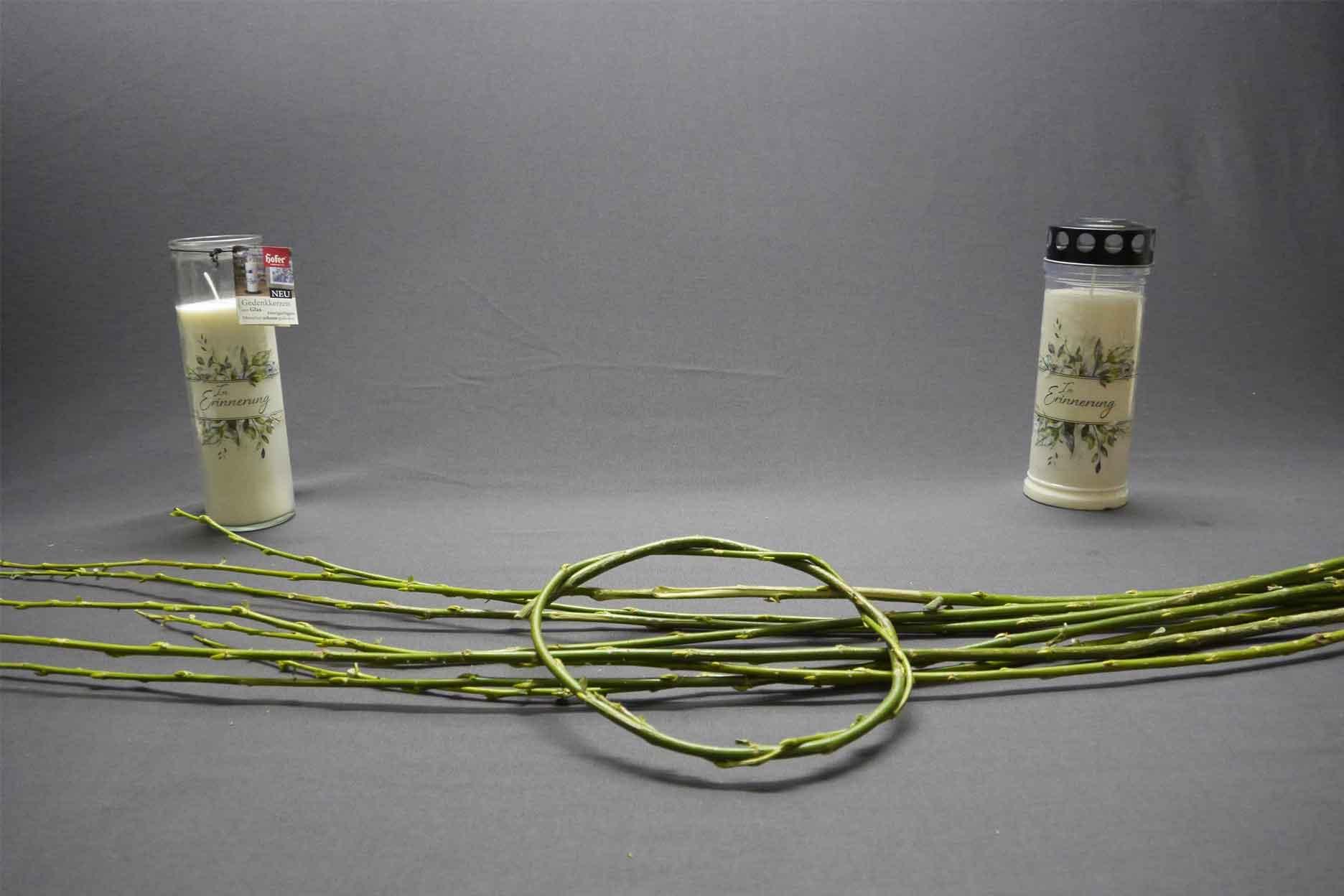 Grabdekoration Naturmaterialien frische Zweige Schritt 1